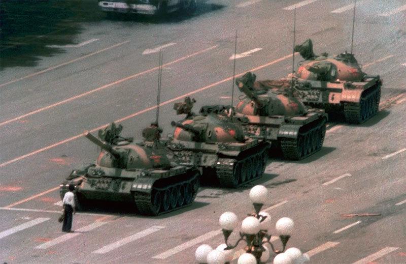 >我是怎麼把「坦克人」錄影帶 送出國門的
