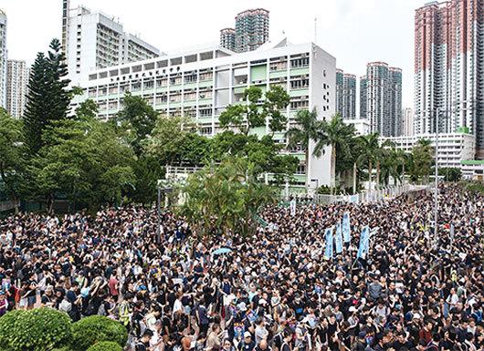 香港8.4遊行 將軍澳遊行追究警暴反紅媒