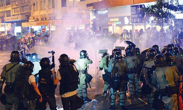 中共祕密接管香港 傳2千陸警7萬便衣潛入 假扮示威者