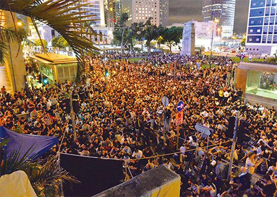 6萬人集會逼爆遮打花園 8.16港人促國際關注