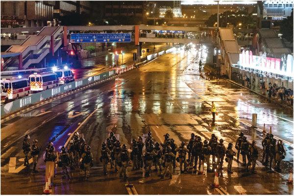 8.25反送中遊行 港警出動水炮車承認開槍
