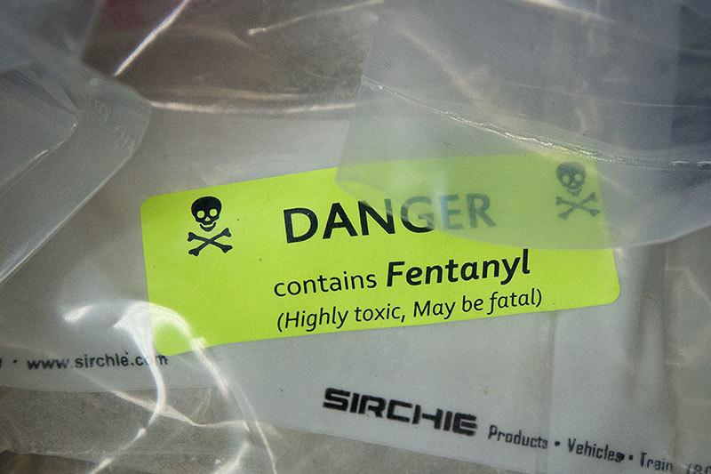 >中共對美發動化學戰 芬太尼三年毒殺近8萬美國人