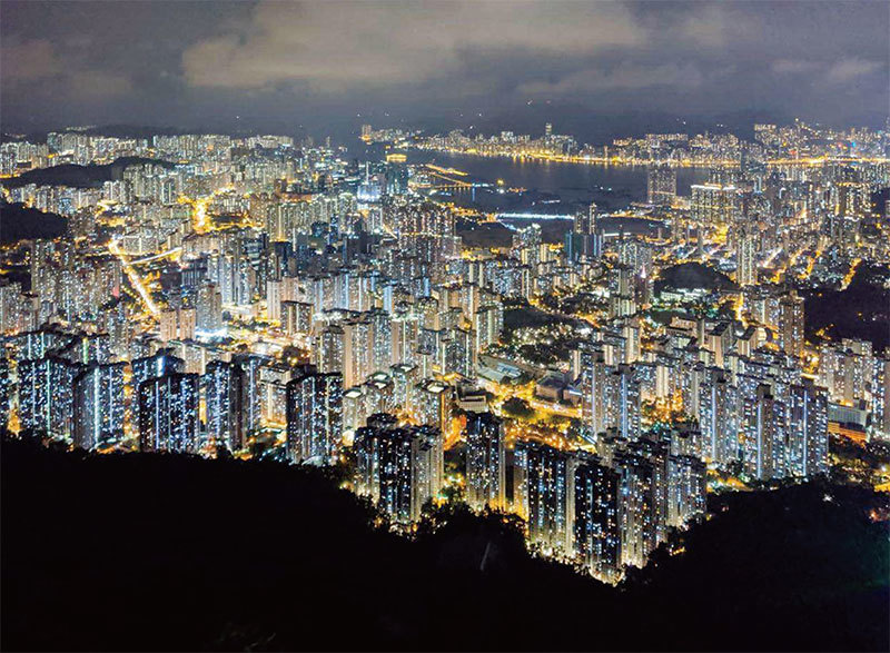港人站在歷史劇變最前沿 大陸人感謝香港放光芒