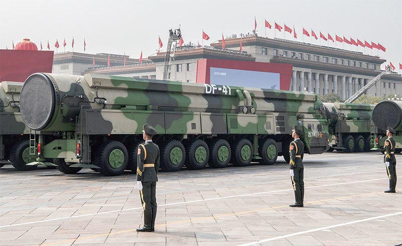 中共閱兵大秀肌肉 專家:不足抗衡美軍