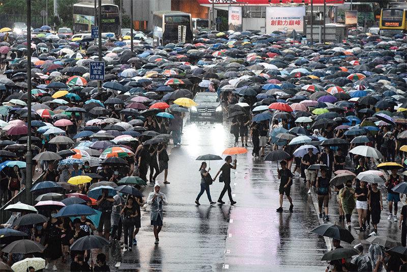 民間傳「香港」寓意: 千人一口 三水滅共蛇