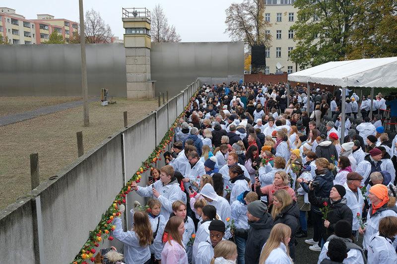 柏林牆倒塌30年 美議員:香港是新的柏林