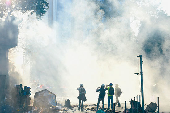 政府無道 公民抗命 香港猶如浴火鳳凰