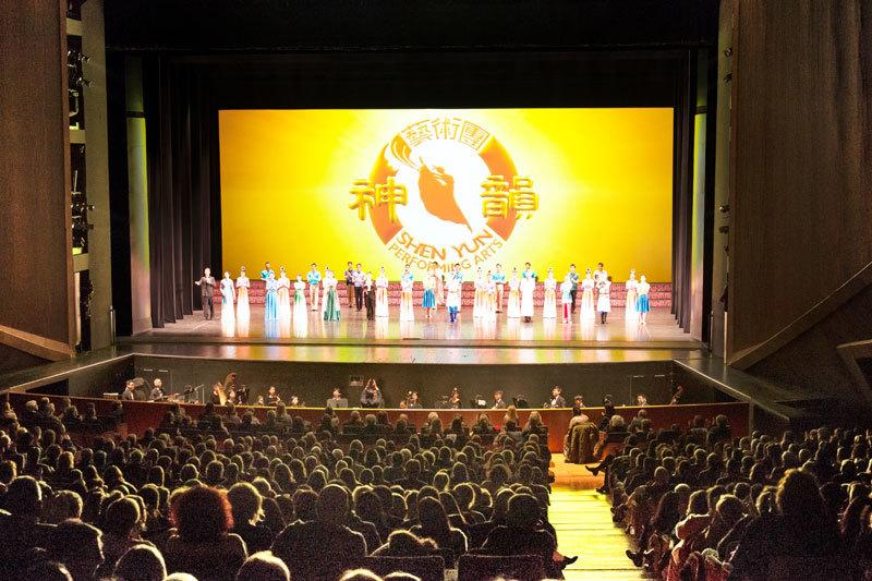 神韻歐洲首場  意大利貴族雲集 編舞大師盛讚