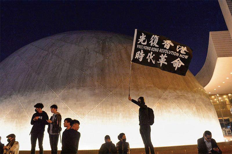 時間站在香港這一邊 美戰地記者籲港人堅持不懈