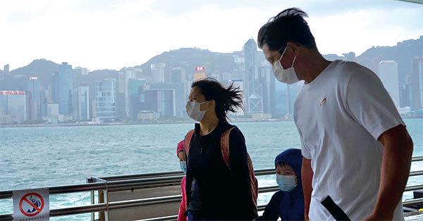 中共黨魁出行招風暴 香港8號風球懸掛