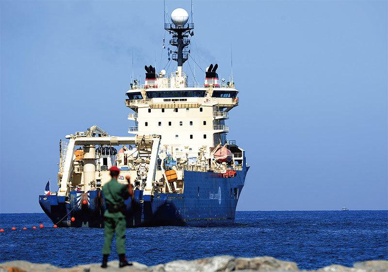 世界海底光纜的安全 與中共的威脅