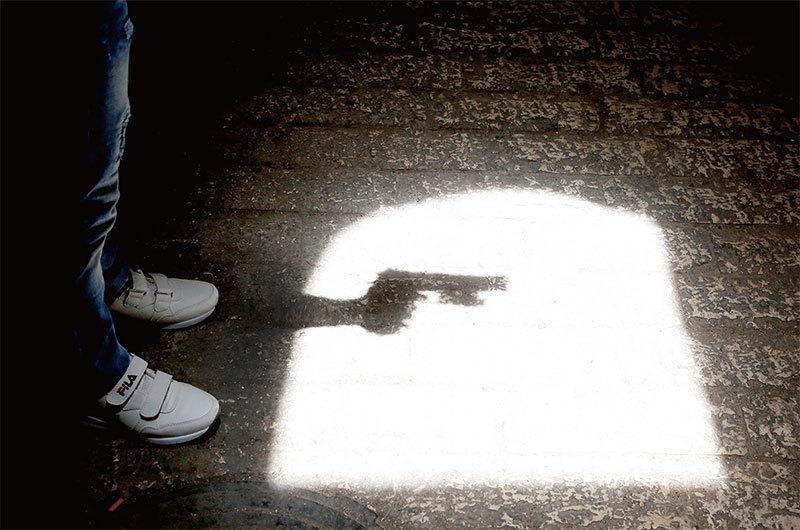 >槍桿子裡出政權  美國禁槍擁槍爭議