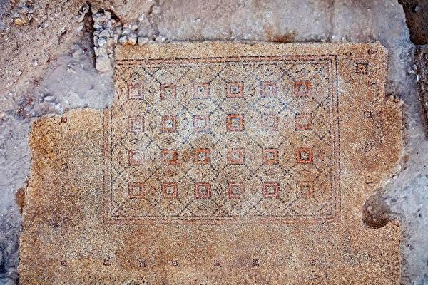 >色彩斑斕 以色列出土千年馬賽克地磚