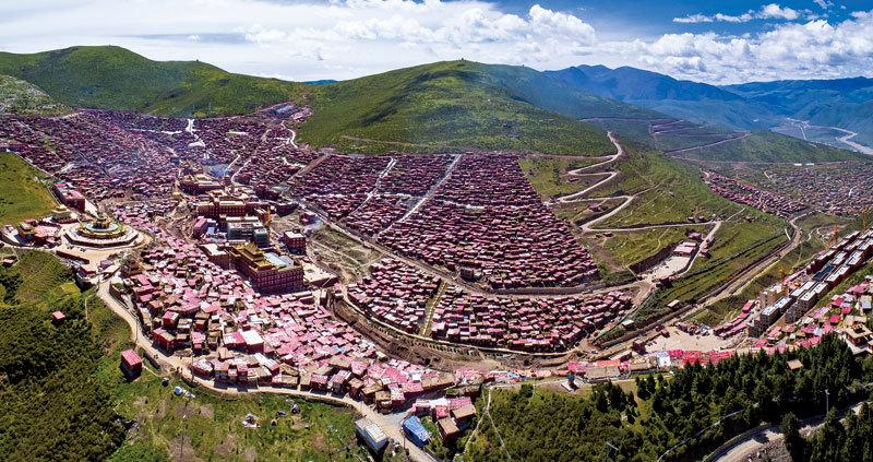 最大藏傳佛學院淪為中共黨校 藏人抗議