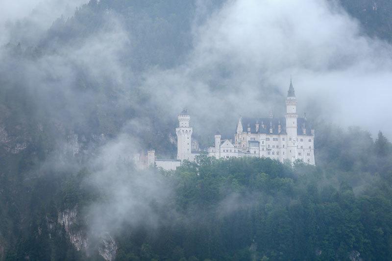 >森林高山、湖泊和追隨皇室的夢(中)