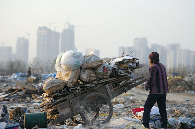 中國貧富差距超「破壞拐點」 貿易戰下更激化