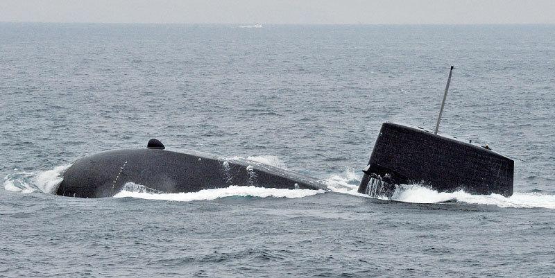 日本公開首次潛艦南海軍演 解讀安倍「政經分離」