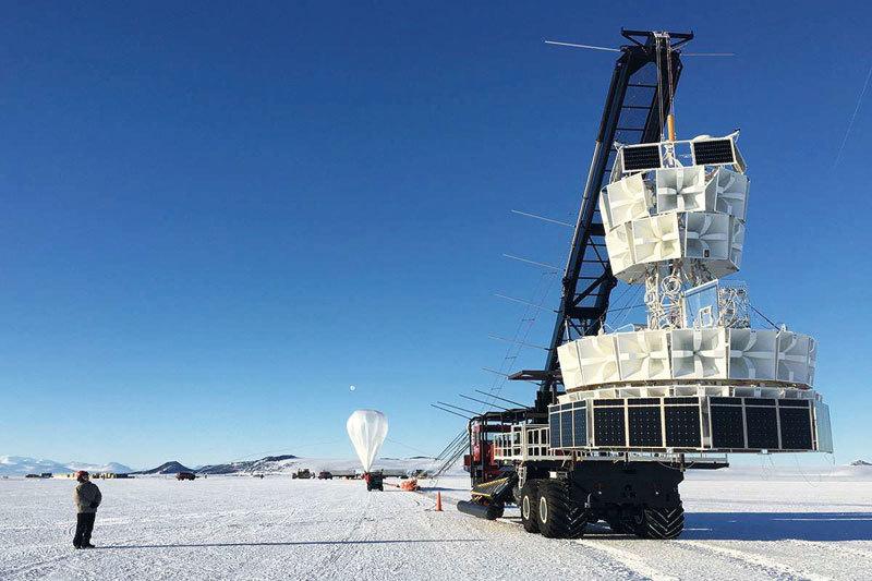 南極上空測到神祕粒子或打破物理學規則