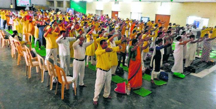 印度媒體:成千上萬人煉法輪功 身心獲益