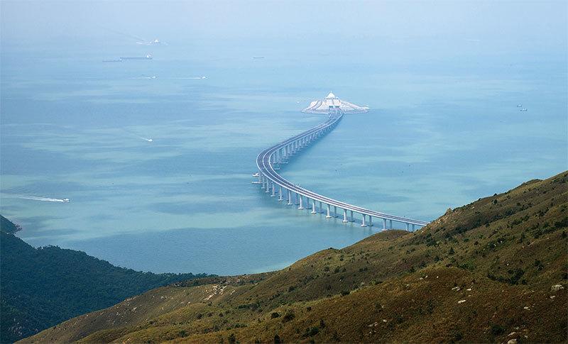 風水師:港珠澳大橋 「兩蛇對沖」別有用意