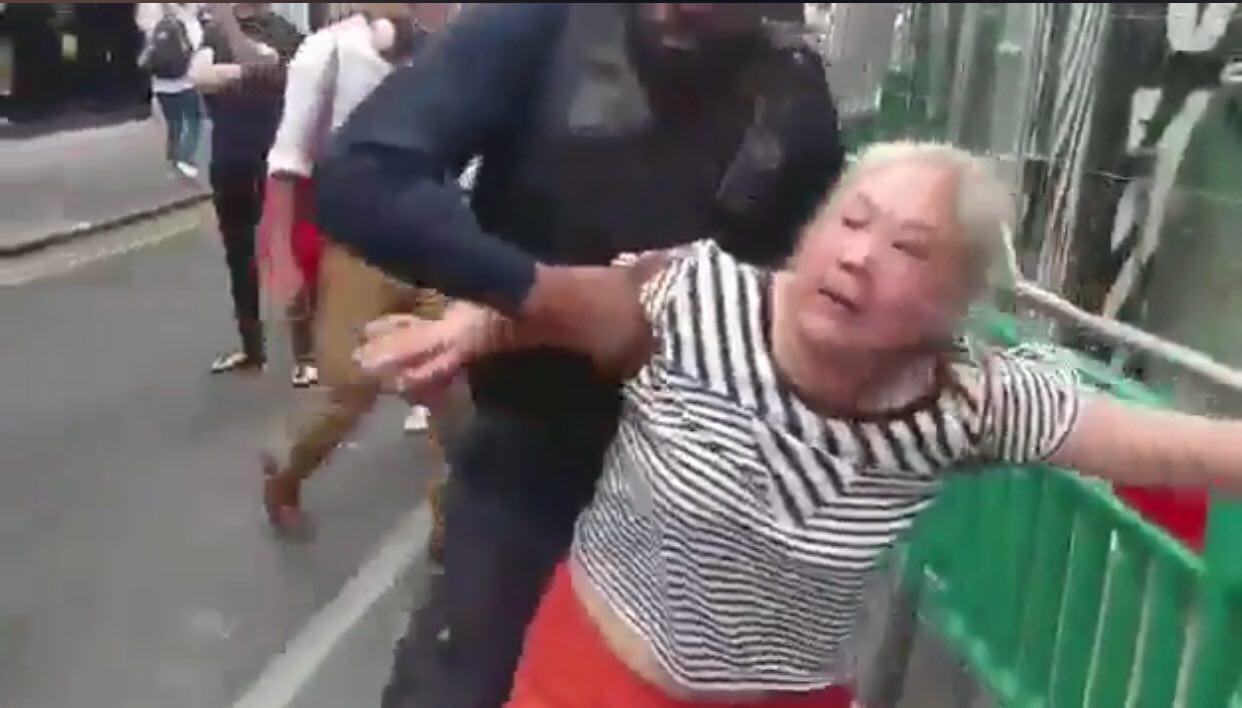陸非法移民大鬧英國 網友熱議