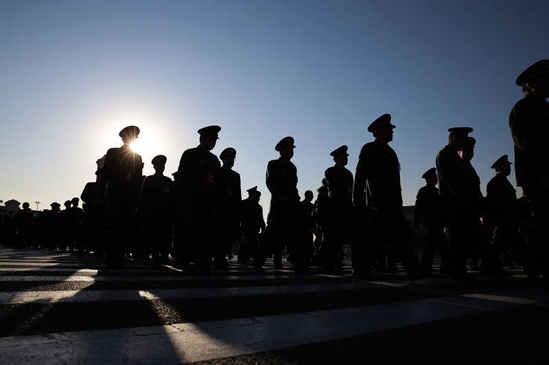 軍隊高層人事密集調整 習破例未晉升上將