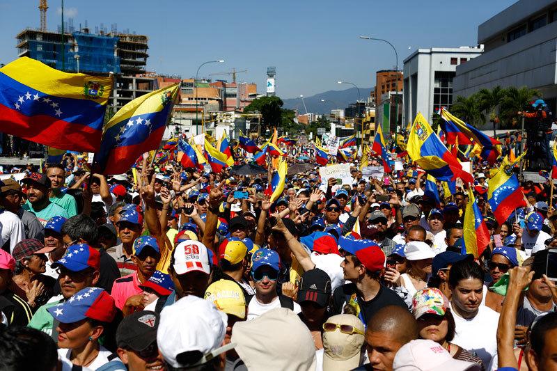 委國馬杜羅政權敗象重重 查韋斯母親被攆出美國