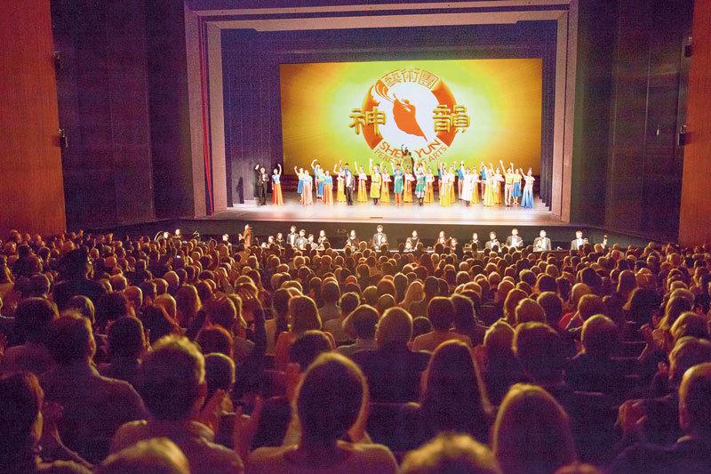 六天九場15000人觀賞 神韻轟動德國首都
