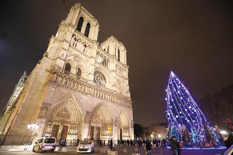 巴黎聖母院建築與雕塑之美