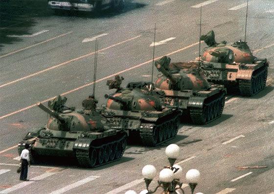 「六四」屠城30年 三個「坦克人」命運再成焦點
