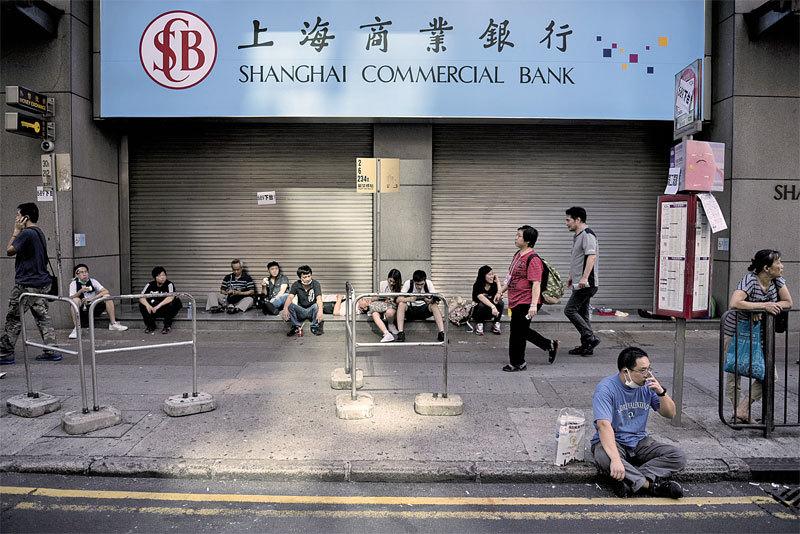 中共巨頭正在接管香港