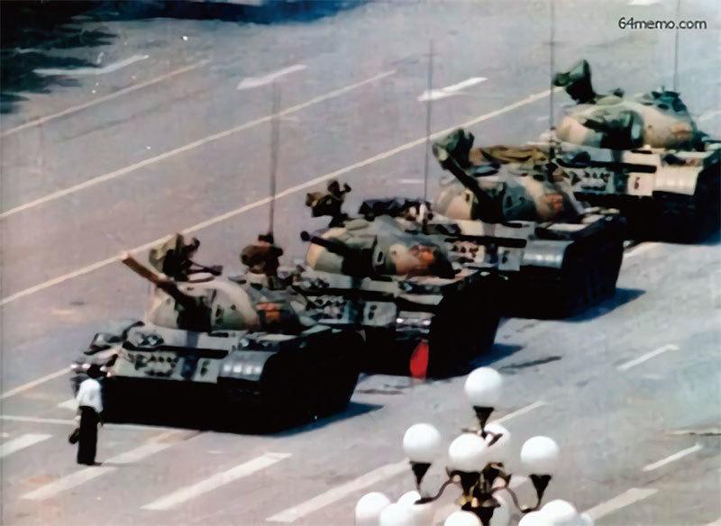 坦克還是坦克人,只能選一邊