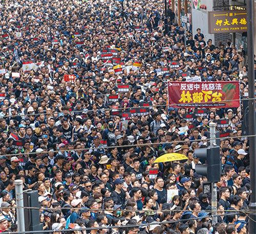 曾慶紅唯恐香港不亂的四篇「催命文」